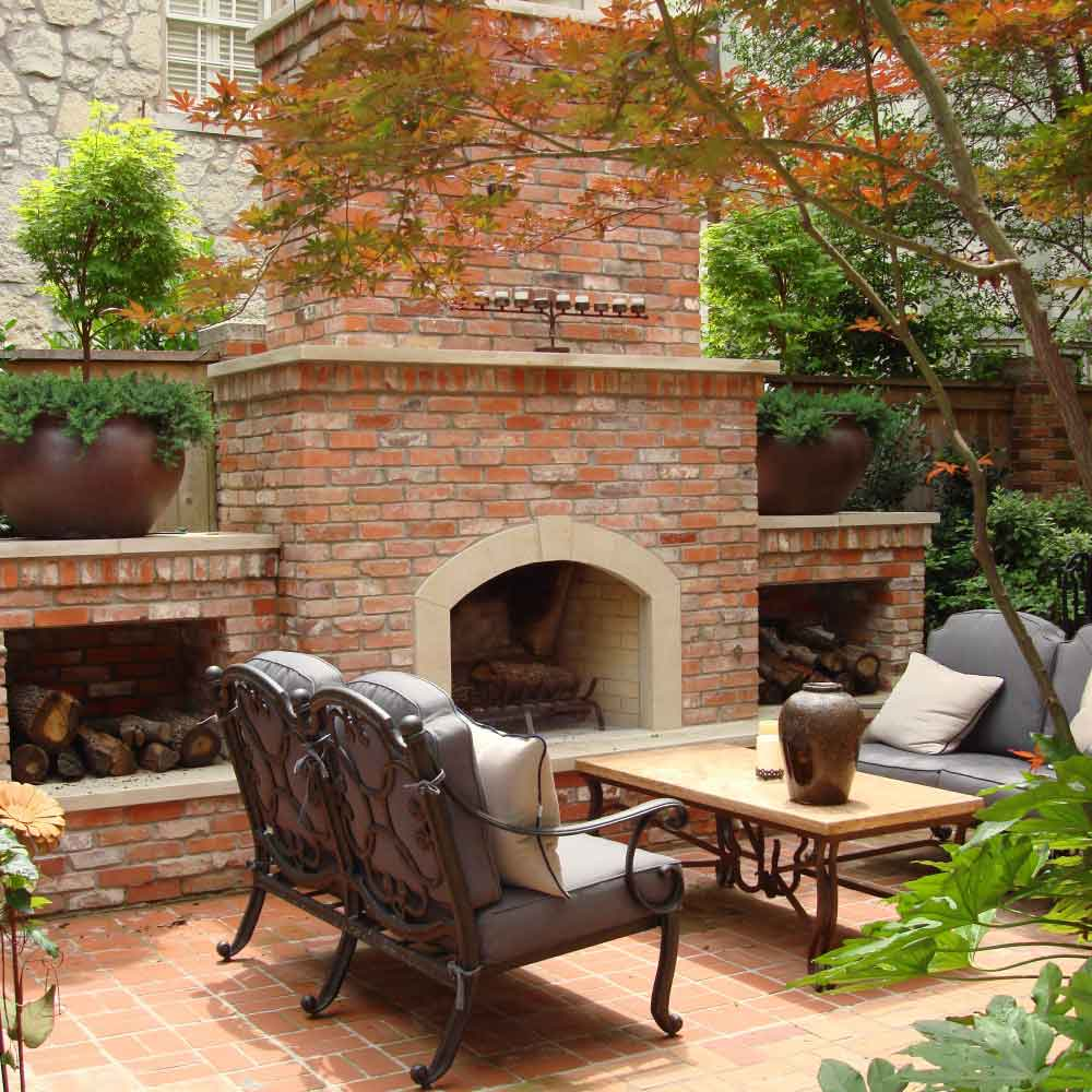Outdoor living areas cabana fireplace kitchen southern for Outdoor living areas with fireplaces