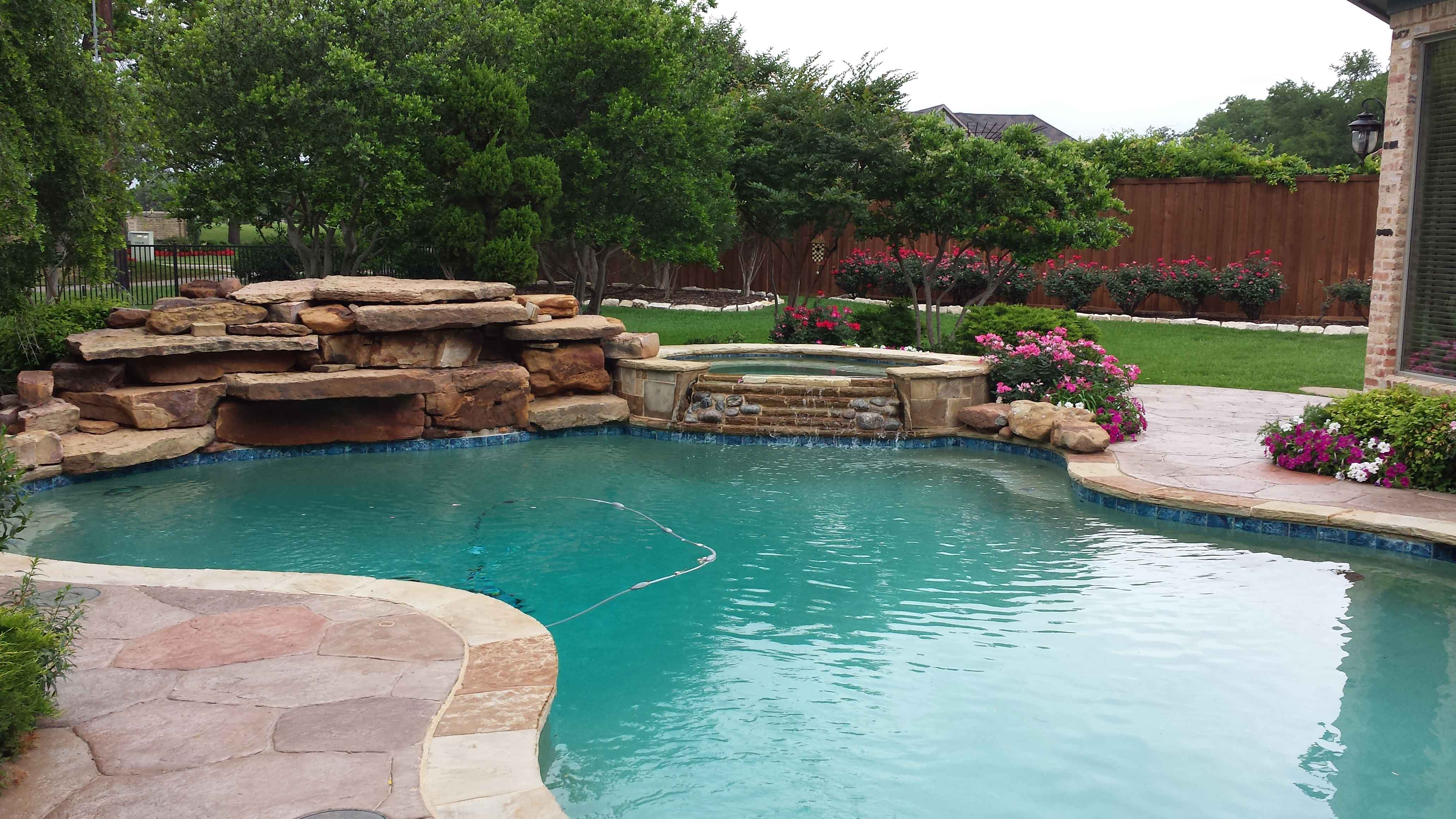 Landscape water features fountains pools dallas area for Pool design dallas texas