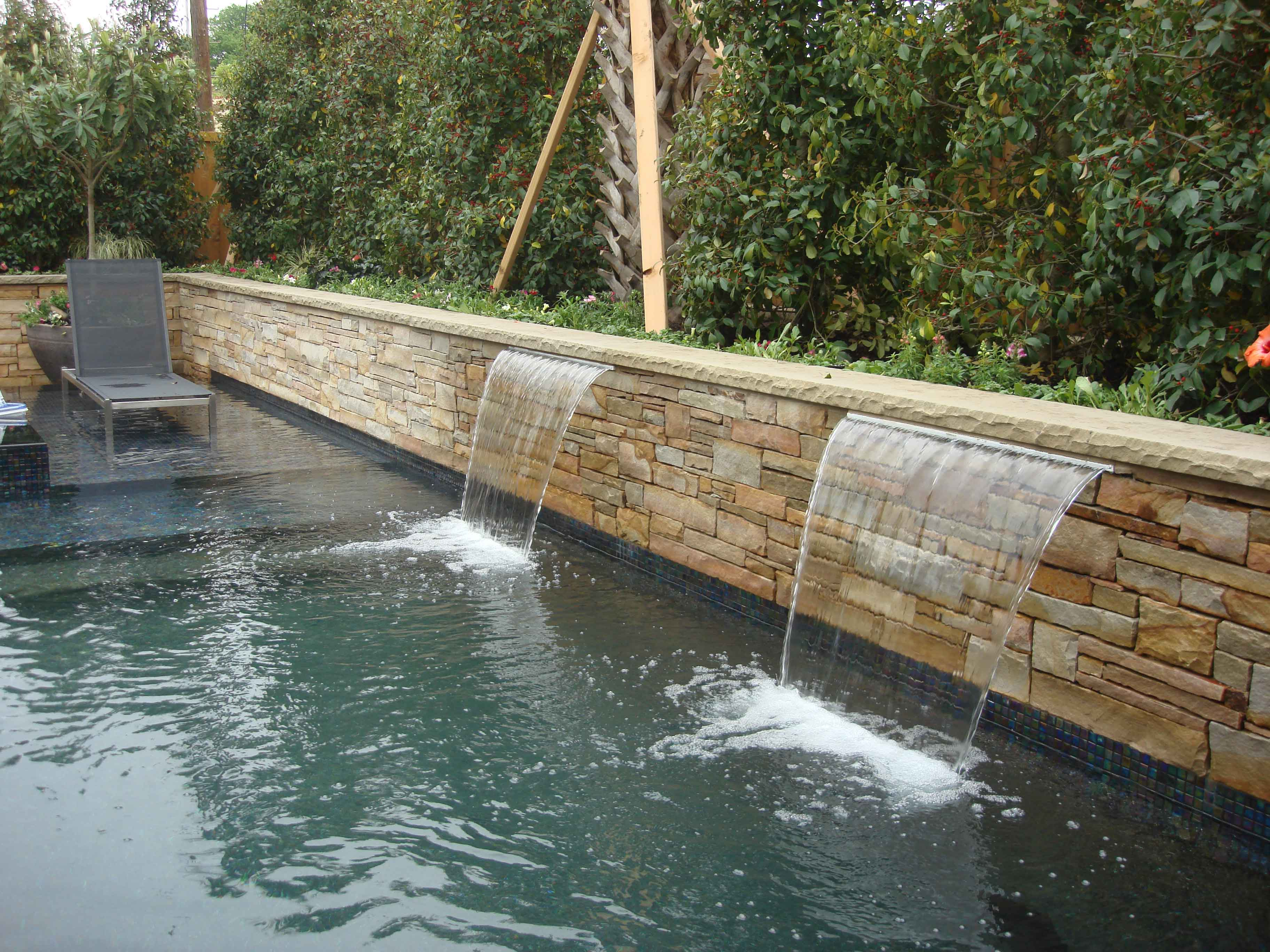Landscape water features fountains pools Dallas area